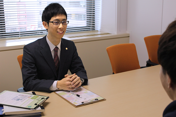 田村弁護士