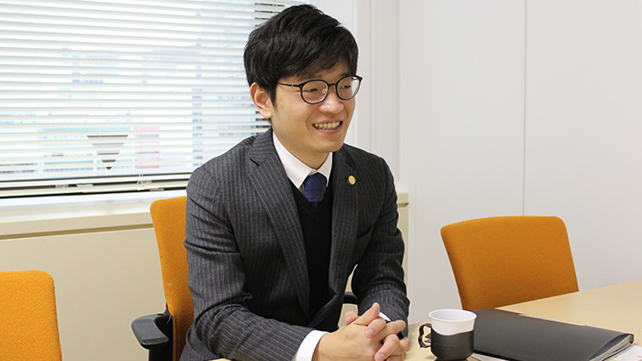 川村瞭典弁護士